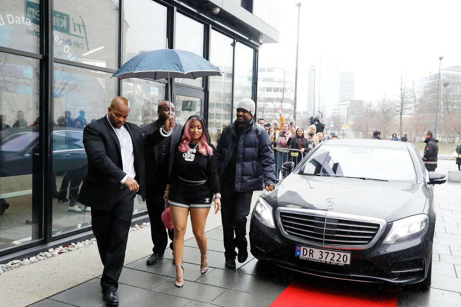 Medeier og rapper Nicki Minaj besøkte Tidals kontorer i Lakkegata i Oslo, mars tidligere i år.