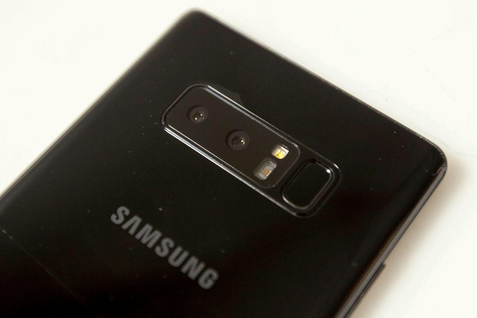 De to kameraene er en annen funksjon som skiller Note 8 fra andre telefoner. Dessverre er fingerskanneren fortsatt plassert ved kameraet – en sikker måte å skitne til linsen på.