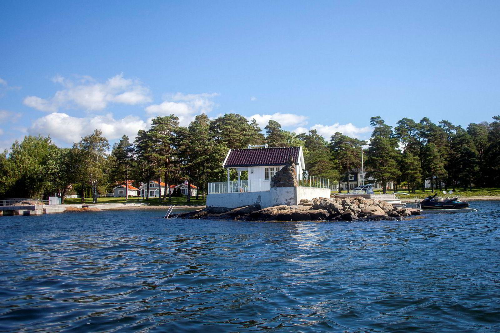 I mai satte Brian Ole Jepsen ny prisrekord for Sandefjord-hytter da han ga 33 millioner kroner for hytta som grenser mot den han allerede eier. Til sammen er eiendommene på over 20 mål.