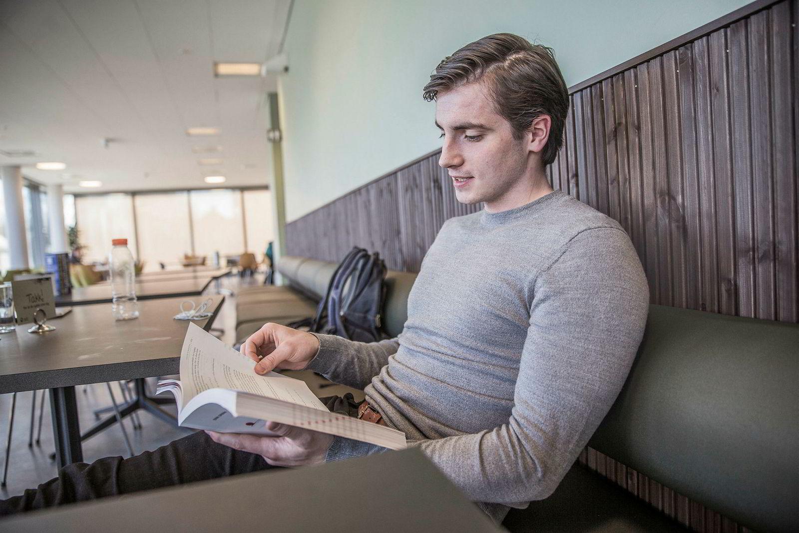 Stian Juberg Varan (20), hadde gledet seg til utveksling til høsten, men blir det en hard brexit kan han ikke reise.