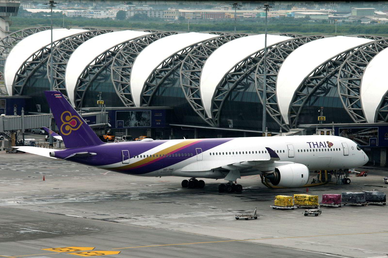 Thai Airways, som har hatt direkteflyvninger mellom Oslo og Bangkok, har gått med underskudd i mange år og har høy gjeld. Selskapet søker beskyttelse fra kreditorene i skifteretten for å redusere gjelden.