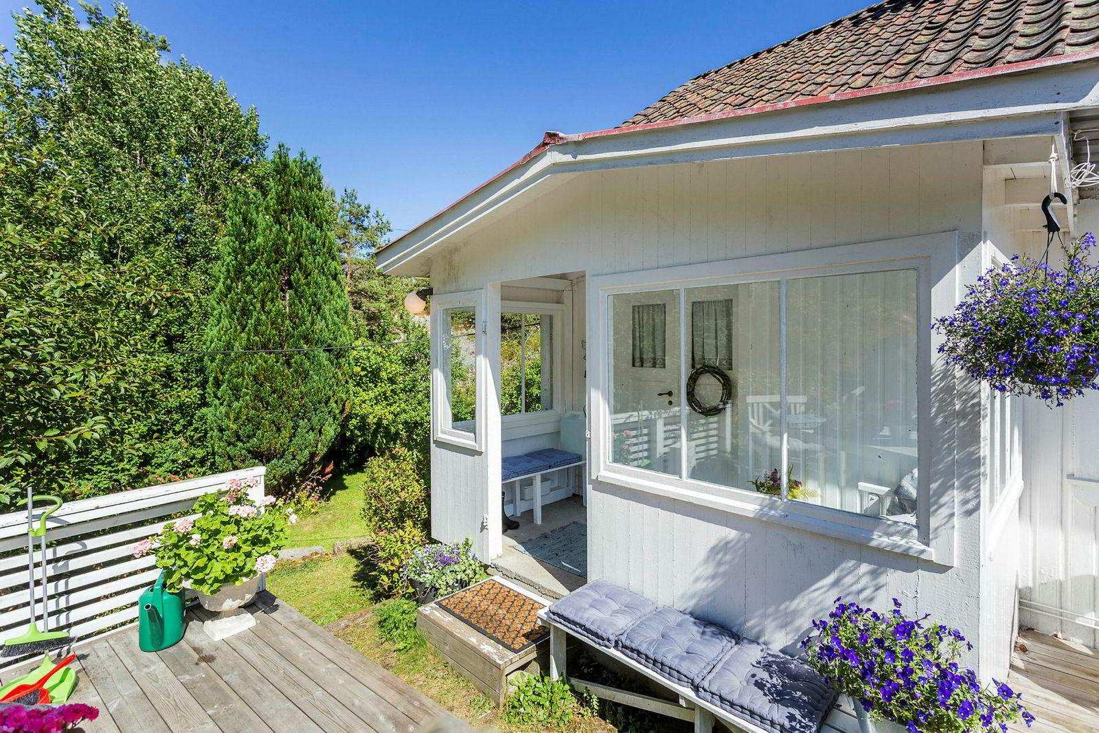 Eiendomsmegler Henrik Tangen hos Krogsveen erkjenner at han bommet med prisantydningen, men synes eiendommen var vanskelig å prissette.