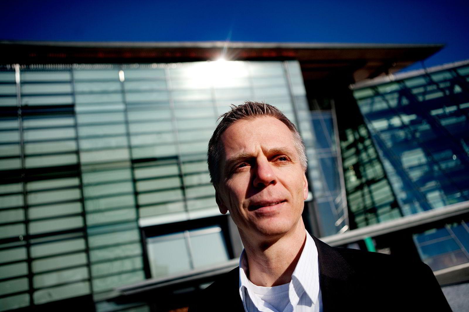 Ragnar Kårhus er direktør for Telenor Broadcast og Canal Digital.