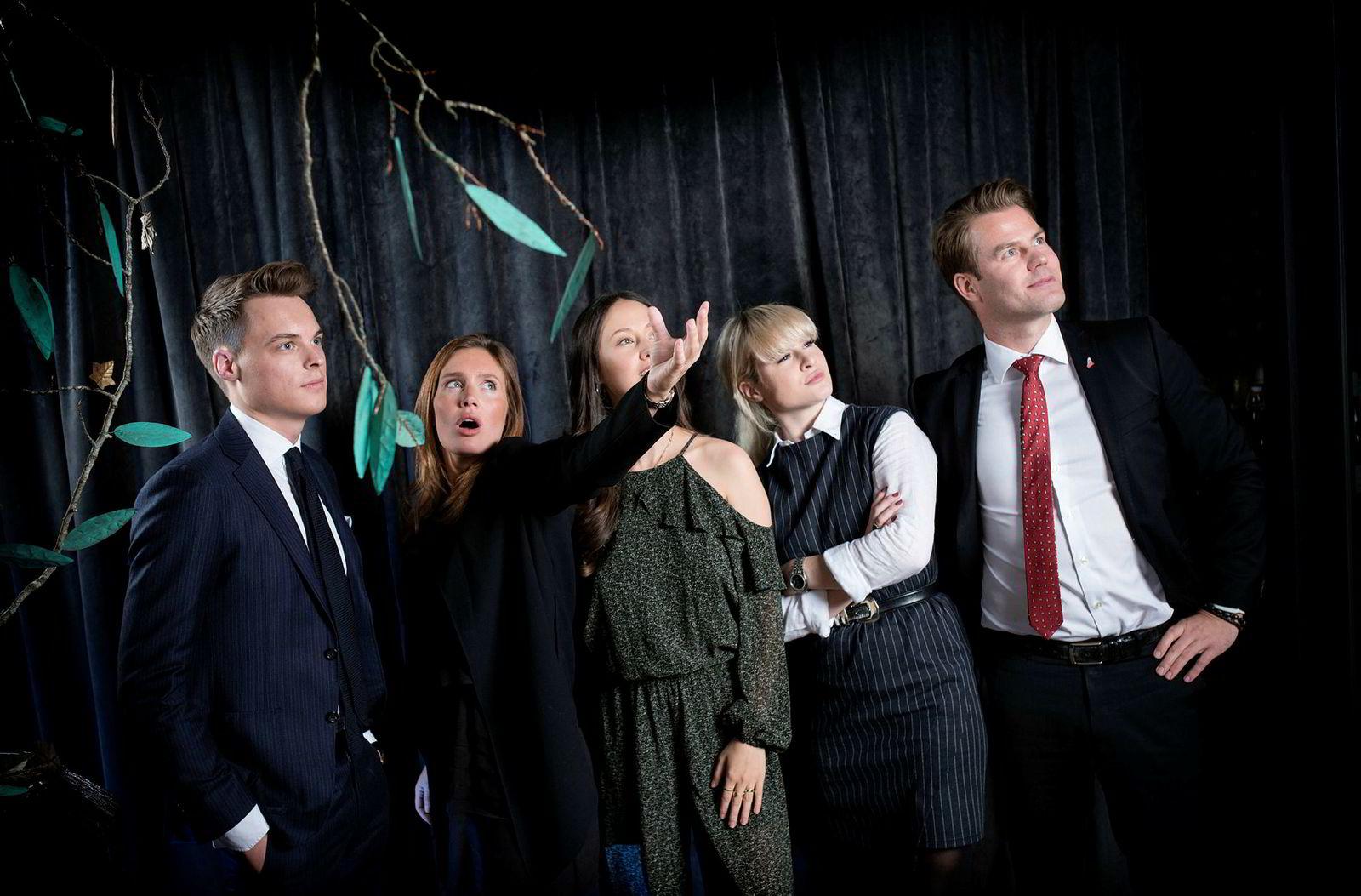 Arvingene heier på Uber og tror fisk er fremtiden til Norge. Fra venstre: Gustav M. Witzøe, Anette Ringnes, Sasha Siem, Katharina G. Andresen og Lars Ola Kjos.