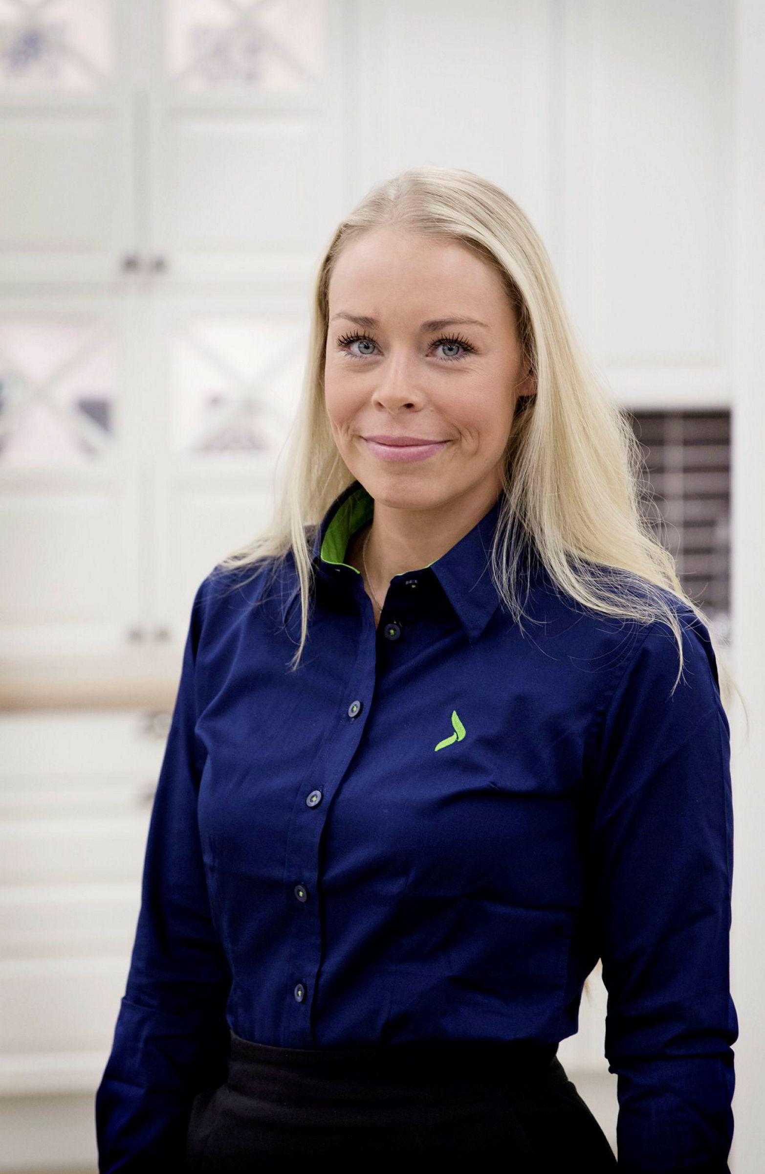Madeleine Schøyen Bergly i Elkjøp Norge as.