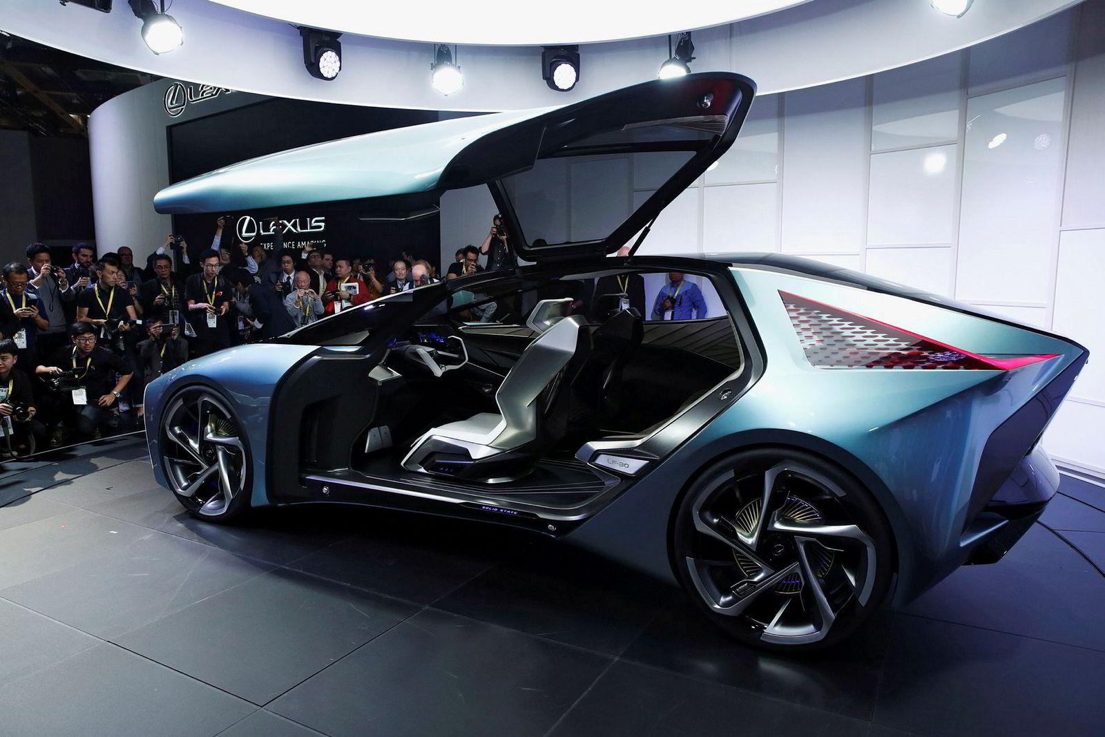 Lexus LF-30 bærer preg av å være et konsept.