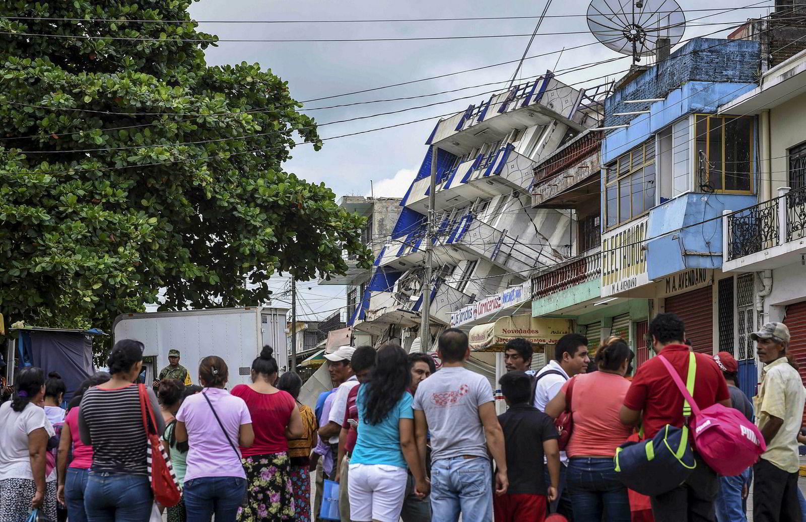 Jordskjelvet i Mexico har gjort store skader, som her i byen Matias Romero i delstaten Oaxaca sør i landet. Nå er den tropiske stormen Katia også på vei.