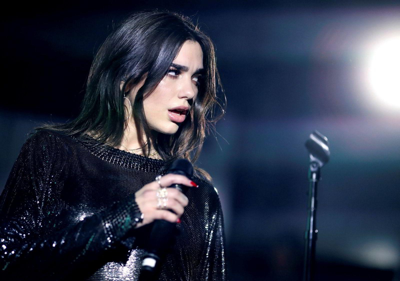 Dua Lipa topper radiolisten i USA med en låt med norsk opphavskvinne. Artisten opptrådte i New York i januar.
