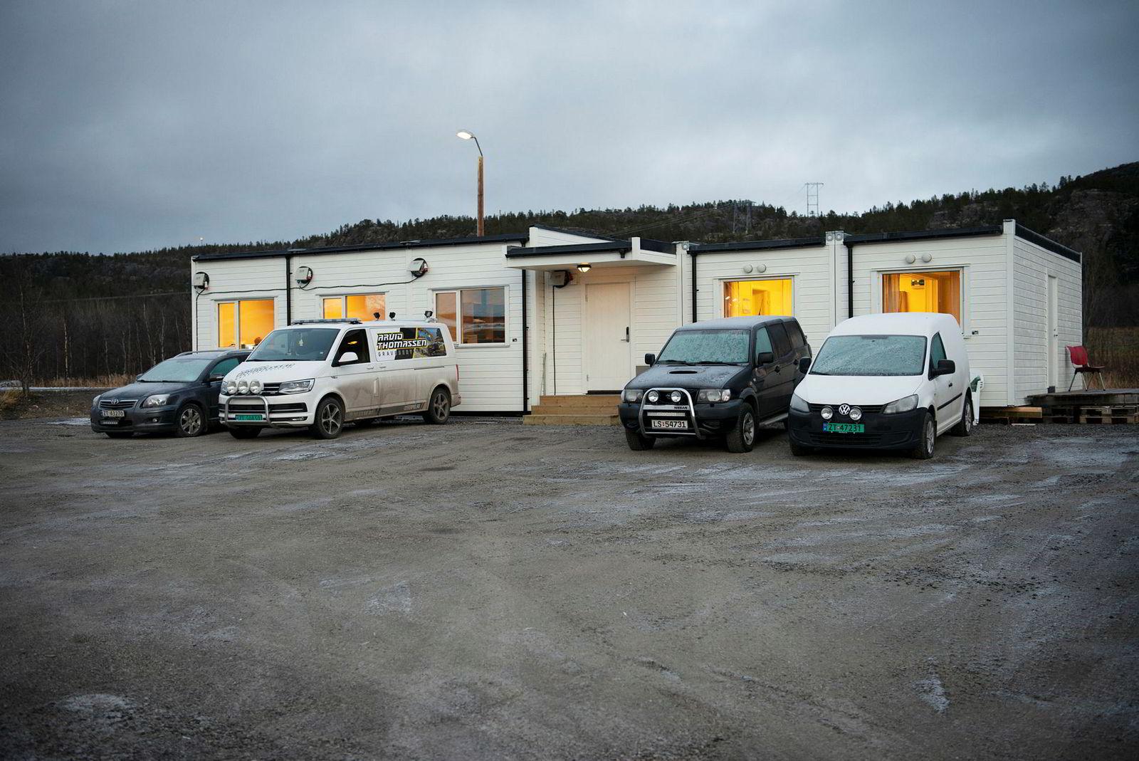 Hjemme er best for gasellevinner Arvid Thomassen Graveservice as. Kontorbrakken står på daglig leder Arvid Thomassens hjemplass i Tverrelvdalen utenfor Alta i Finnmark.
