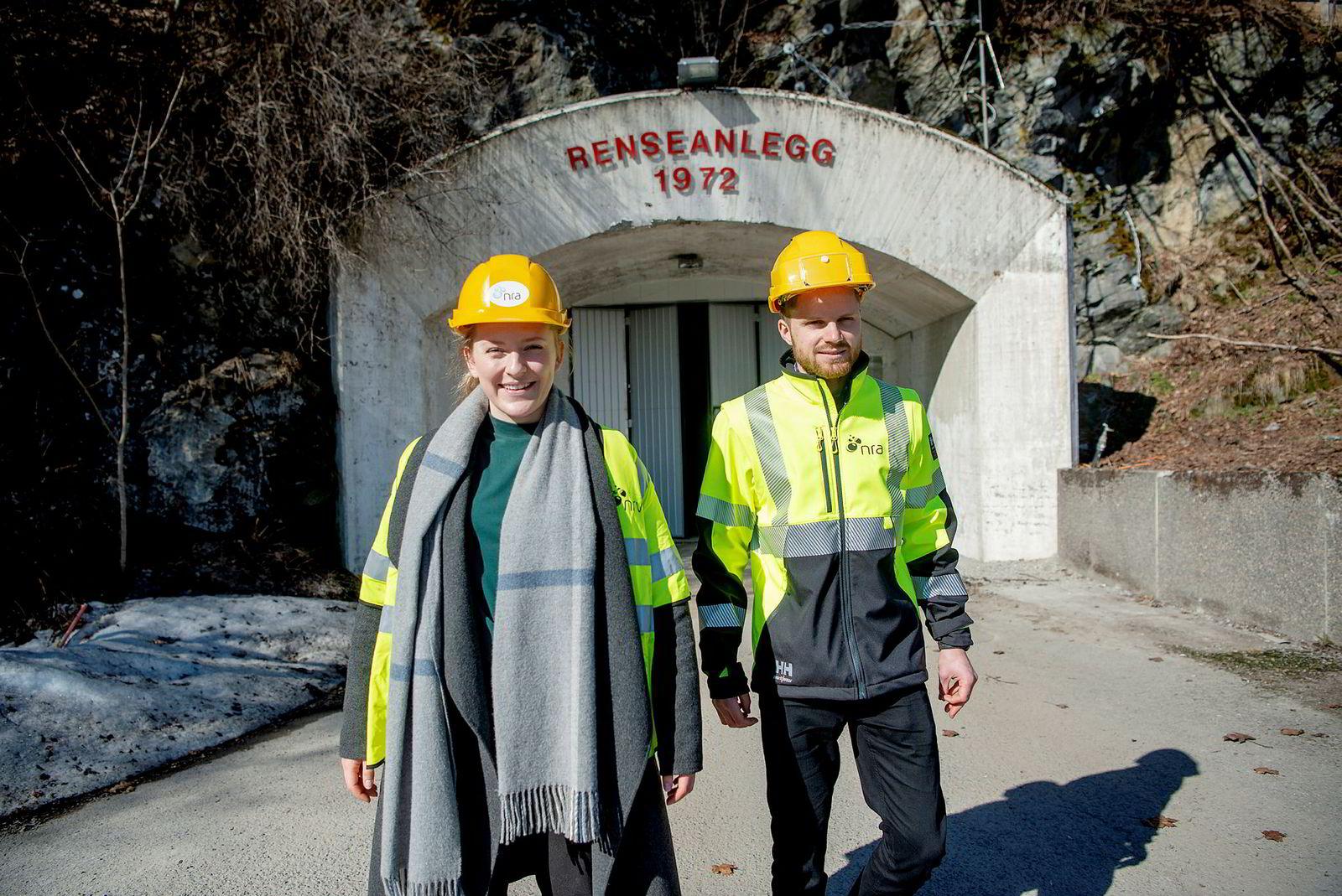 Koordinator Kristin Lunde Sørdal i Romerike Trainee og prosjektingeniør Halvor Myhrvold ser ingen grunn til at jobb i kommunal sektor skal være mindre attraktivt enn privat sektor.