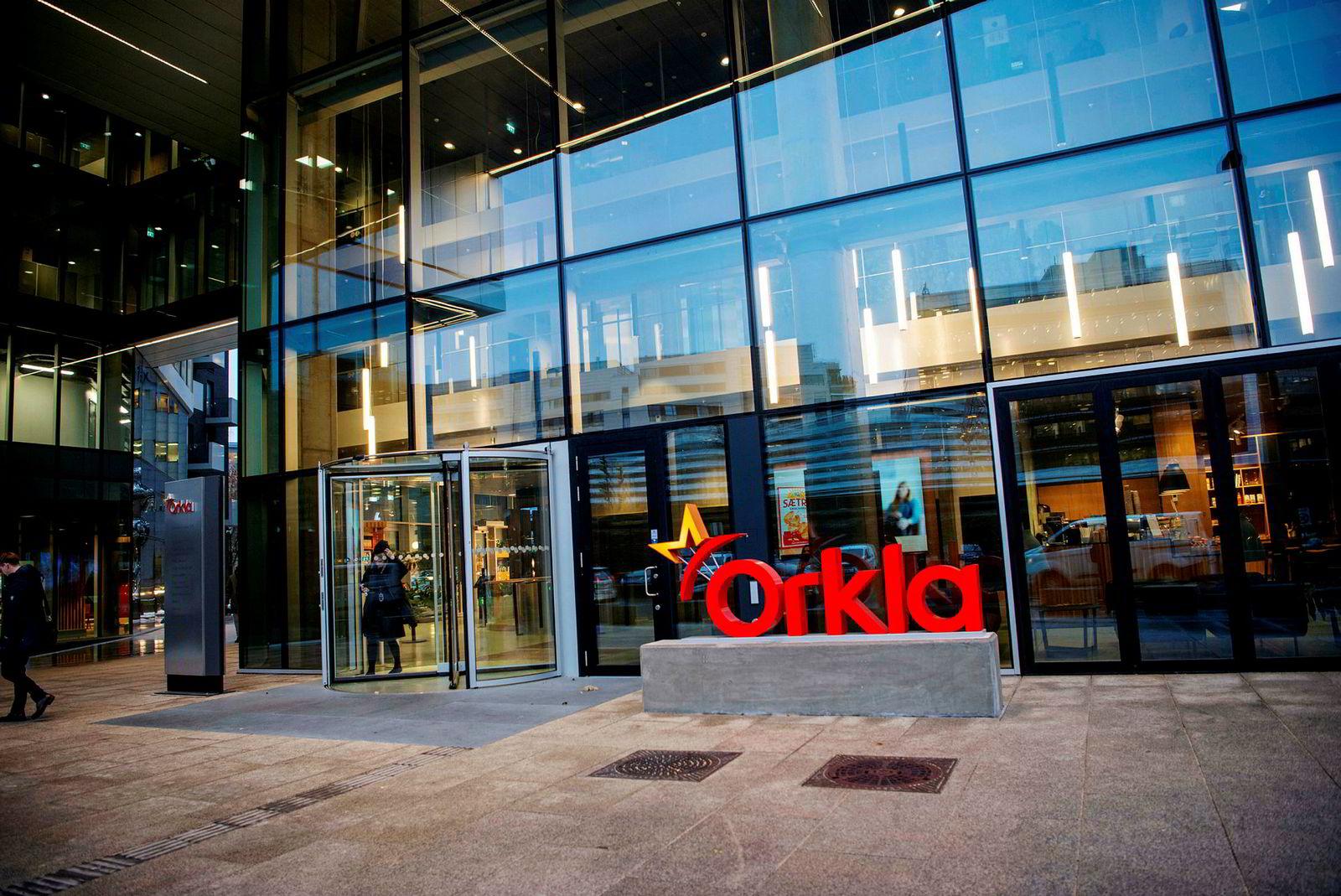 Her sitter Konkurransetilsynet i møte med Orkla tirsdag ettermiddag.