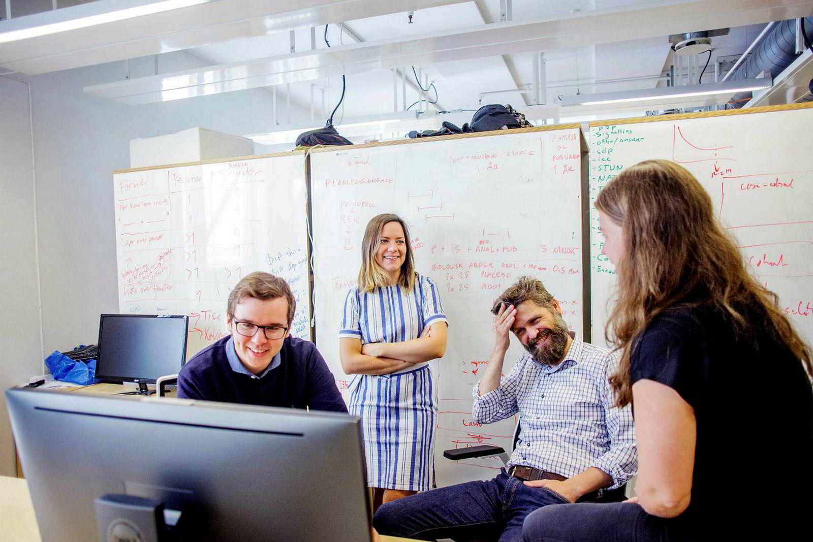 Confrere representert ved (fra venstre) Dag-Inge Aas, medgründer og teknologisjef, Ida Aalen, medgründer og produktsjef, Svein Willassen, medgründer og administrerende direktør, Ingvild Indrebø, ingeniør og ansatt nummer én.