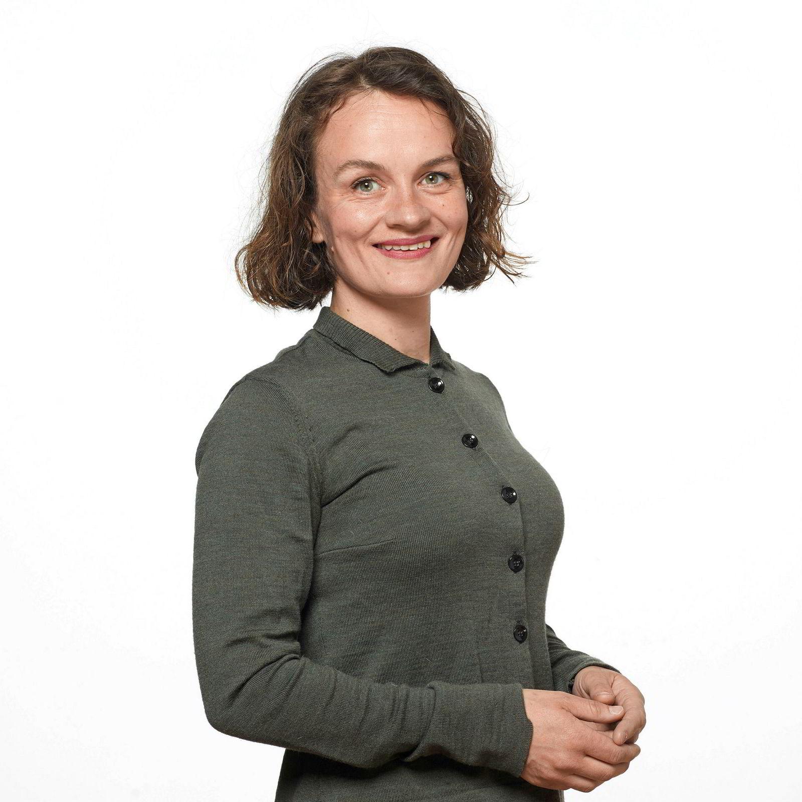 Nina Skrove Falch, sjeføkonom i YS, mener boligskatt kan bidra til å minske risikoen for at nordmenns høye gjeld kan føre til økonomisk ustabilitet.