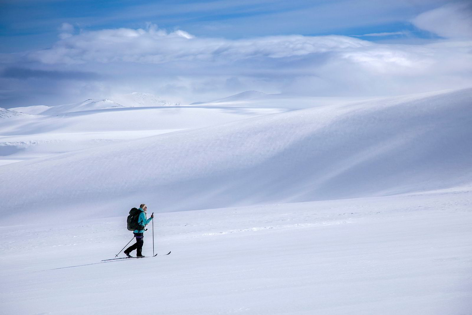 På Svartisens vestre del kjenner Maria Stray Homme på mestringsfølelsen det gir å traske innover en isbre for aller første gang.