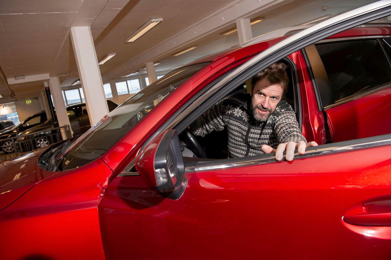 Per Rønning i Pers Bil skal etter nyttår flytte ut av sine lokaler på Grorud. Selv om omsetningen i 2017 økte, tapte han, som mange andre bruktbilselgere, penger.