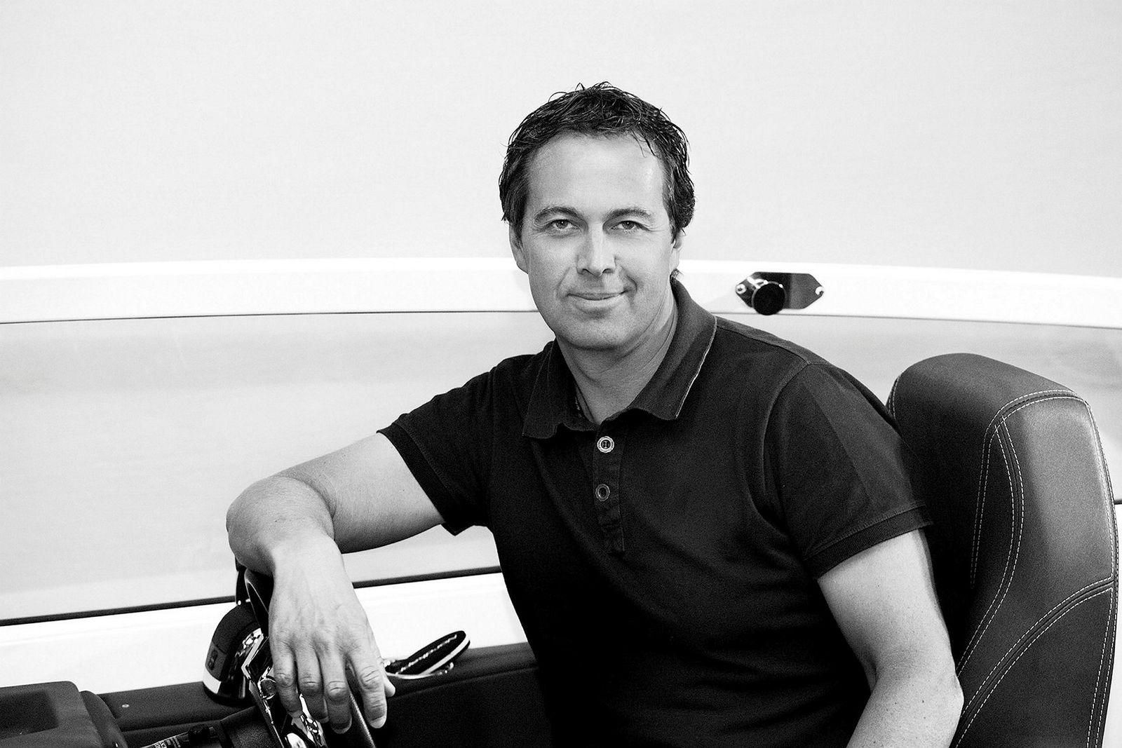 Ronny Antonsen, som reetablerte Nordkapp Boats i Sarpsborg for nær 30 år siden, selger nå majoriteten av aksjene til Frydenbø Group i Bergen.--