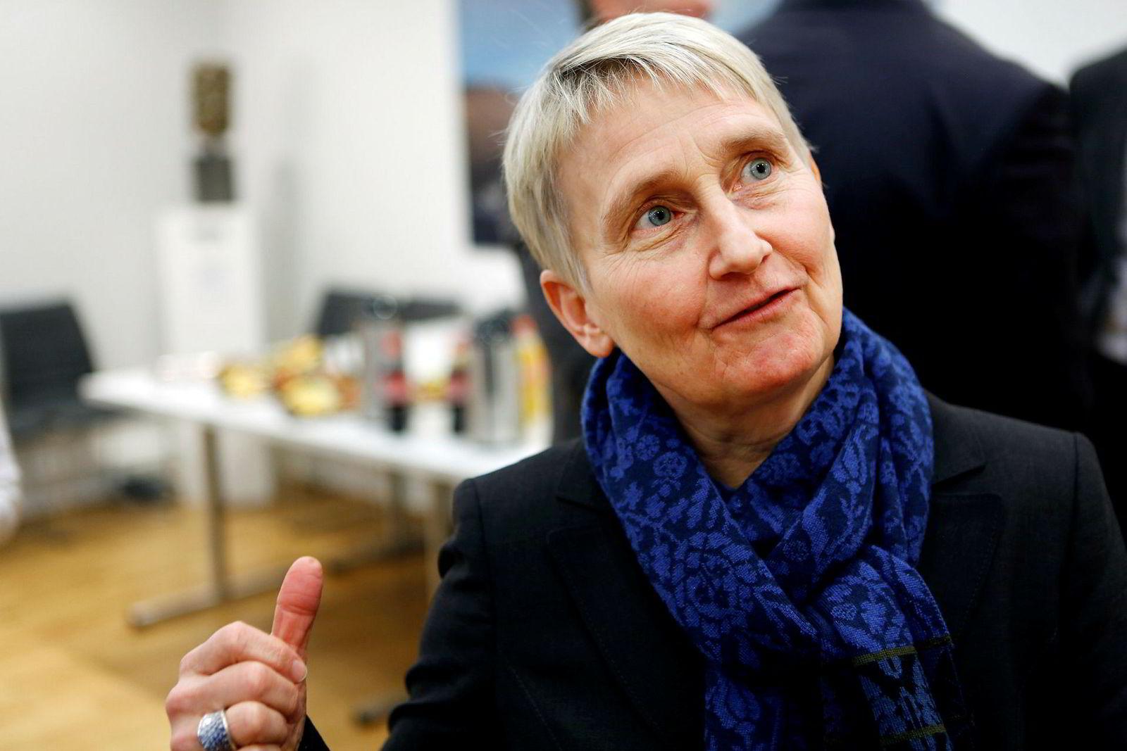 Finansprofessor Karis S. Thorburn ved NHH tror Norwegian fortsatt er i spill.