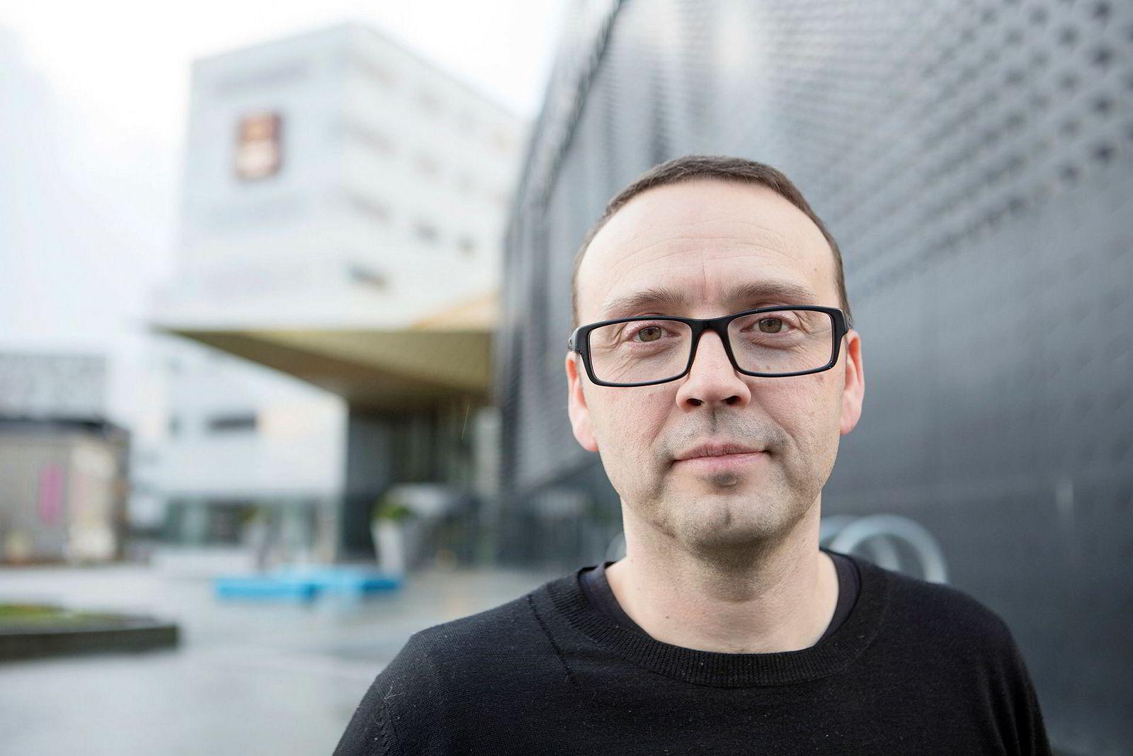 Lakselus påvirker alle aspektene ved oppdrett i Norge, sier Nofima-forsker Audun Iversen.