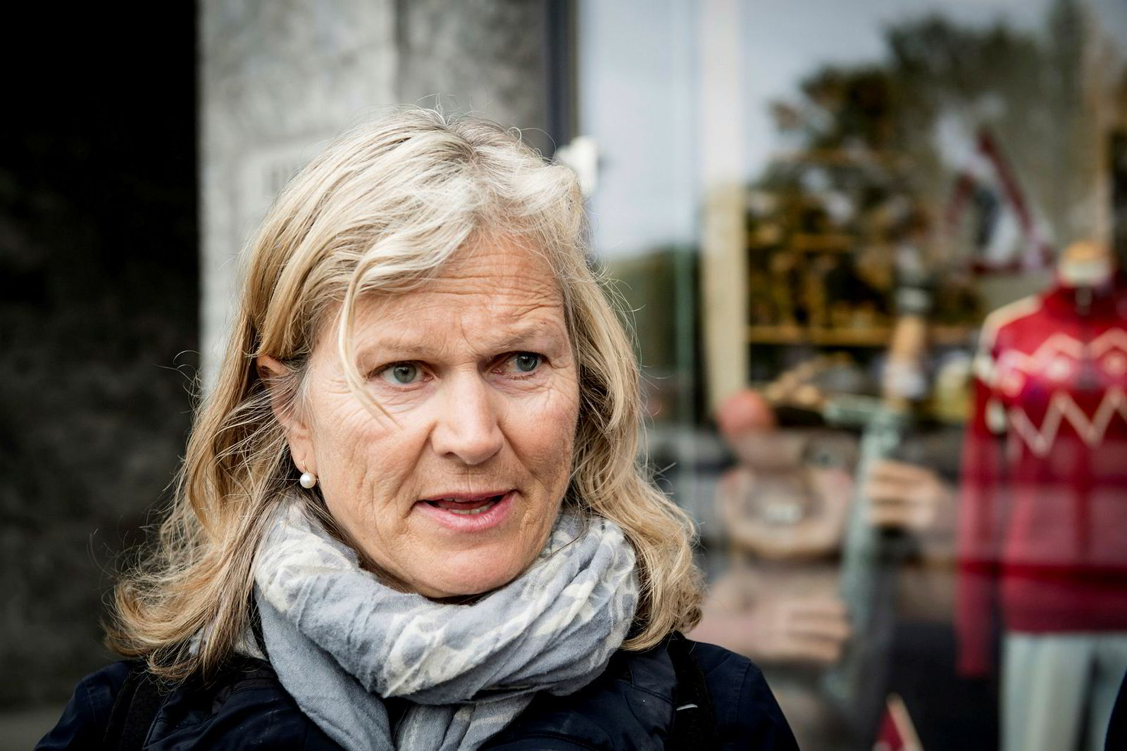 Kristin Krohn Devold i NHO Reiseliv vil ha kraftige kutt i cruisetrafikken langs norskekysten.