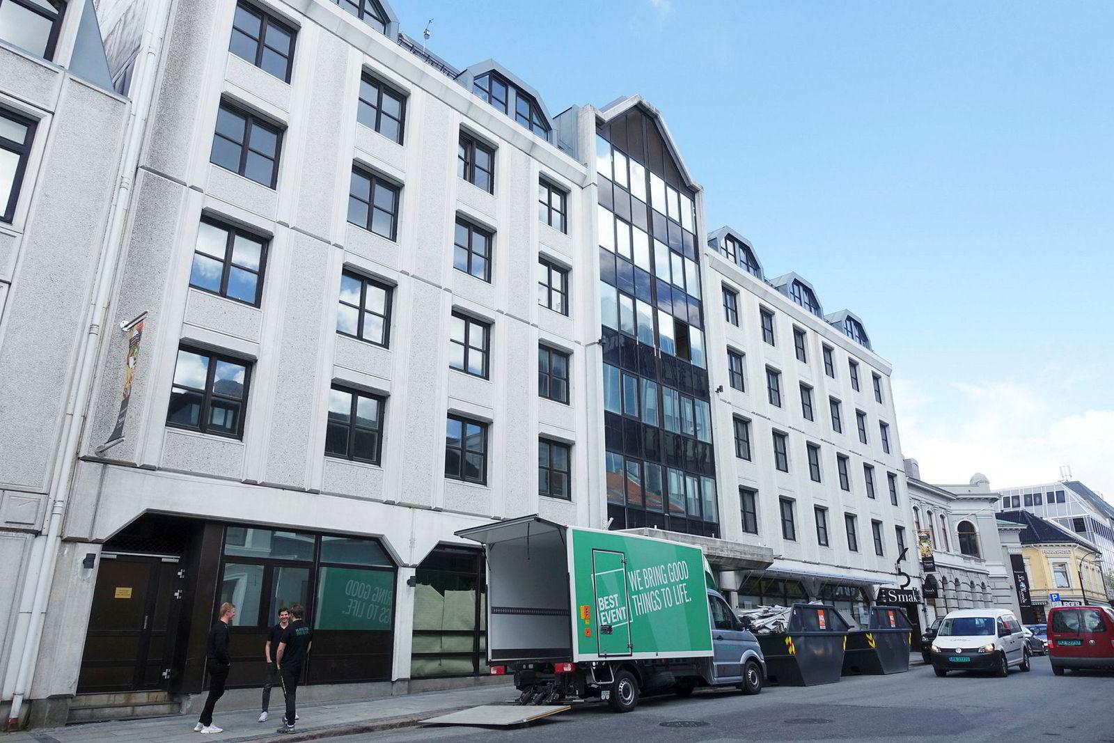 At Hotel Norge i Kristiansand stengte dørene for rehabilitering 1. april er et lyspunkt i et ellers ganske mørkt marked for hotellene i sørlandsbyen.