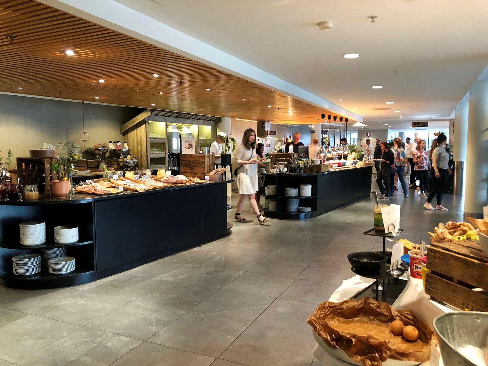 Frokosten på Scandic Nidelven har et rikelig utvalg av mat og drikke, og lokker til og med frokostgjester som ikke bor på hotellet selv.