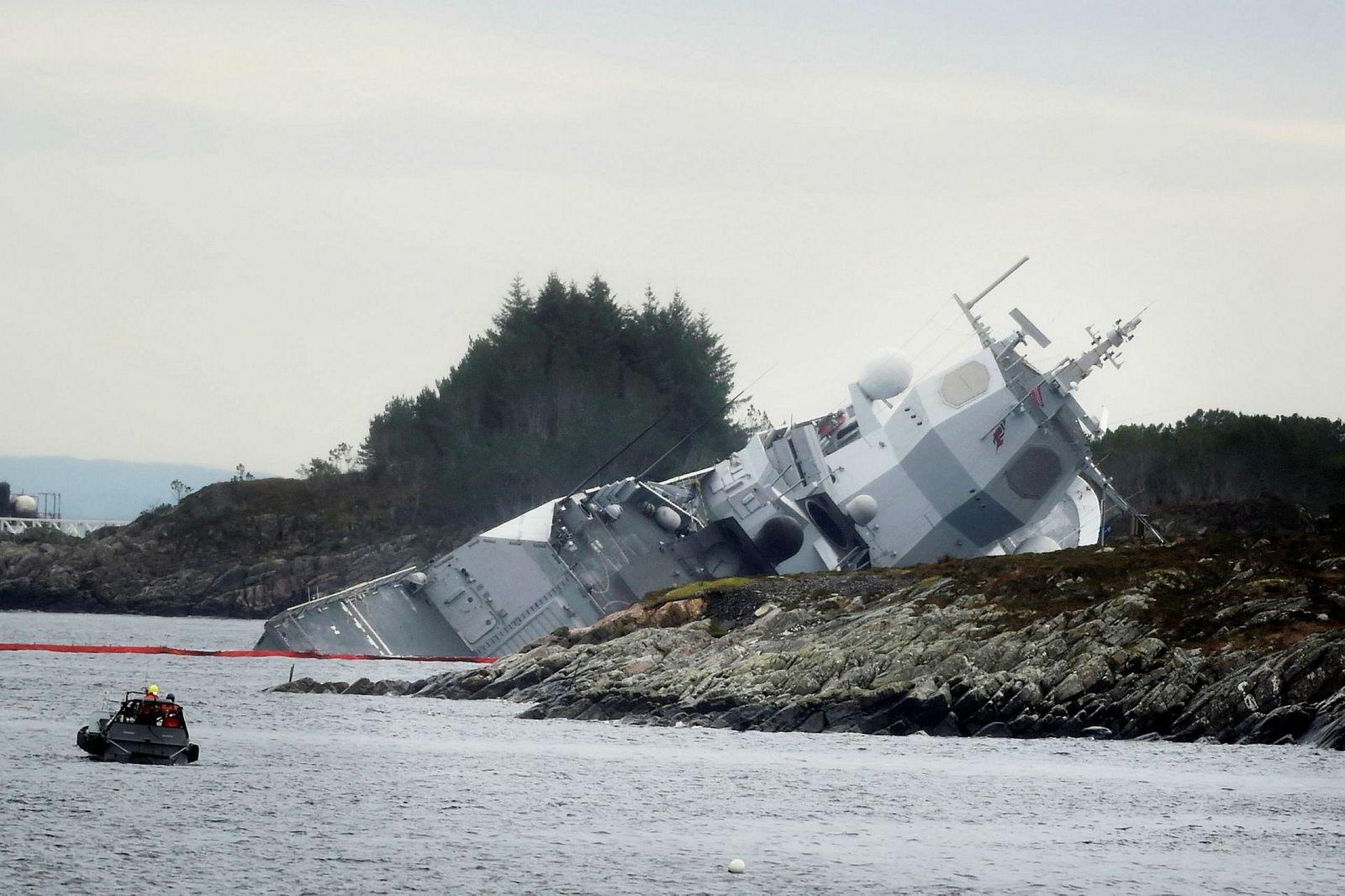 Fregatten KNM «Helge Ingstad» ble torsdag morgen evakuert og sto i fare for å synke etter en kollisjon med en tankbåt ved Stureterminalen i Øygarden.