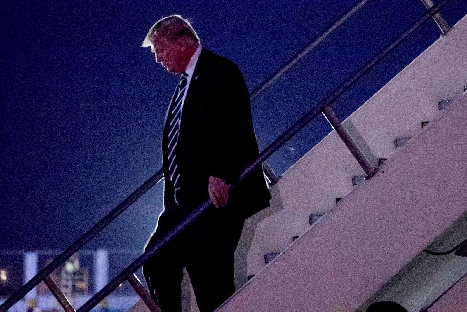 USAs president Donald Trump landet søndag på Ninoy Aquino Internasjonale flyplass i Manila, Filippinene.