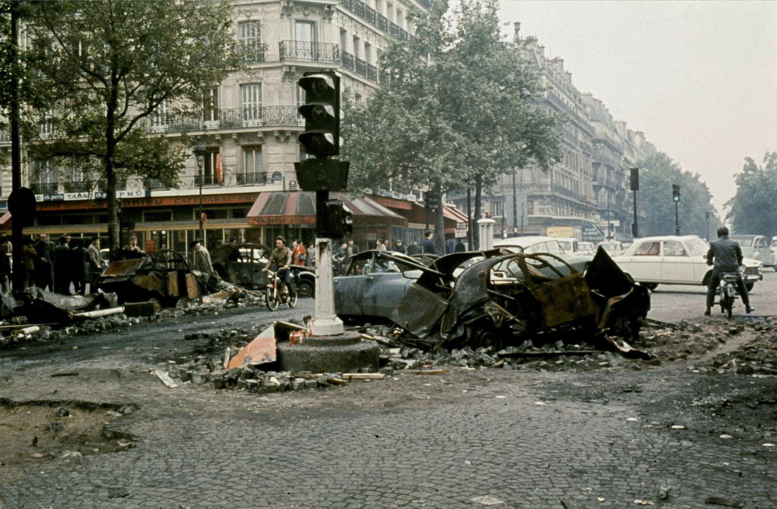 Boulevard Saint-Germain fotografert den 25.mai 1968 noen timer etter sammenstøt mellom politi og studenter.