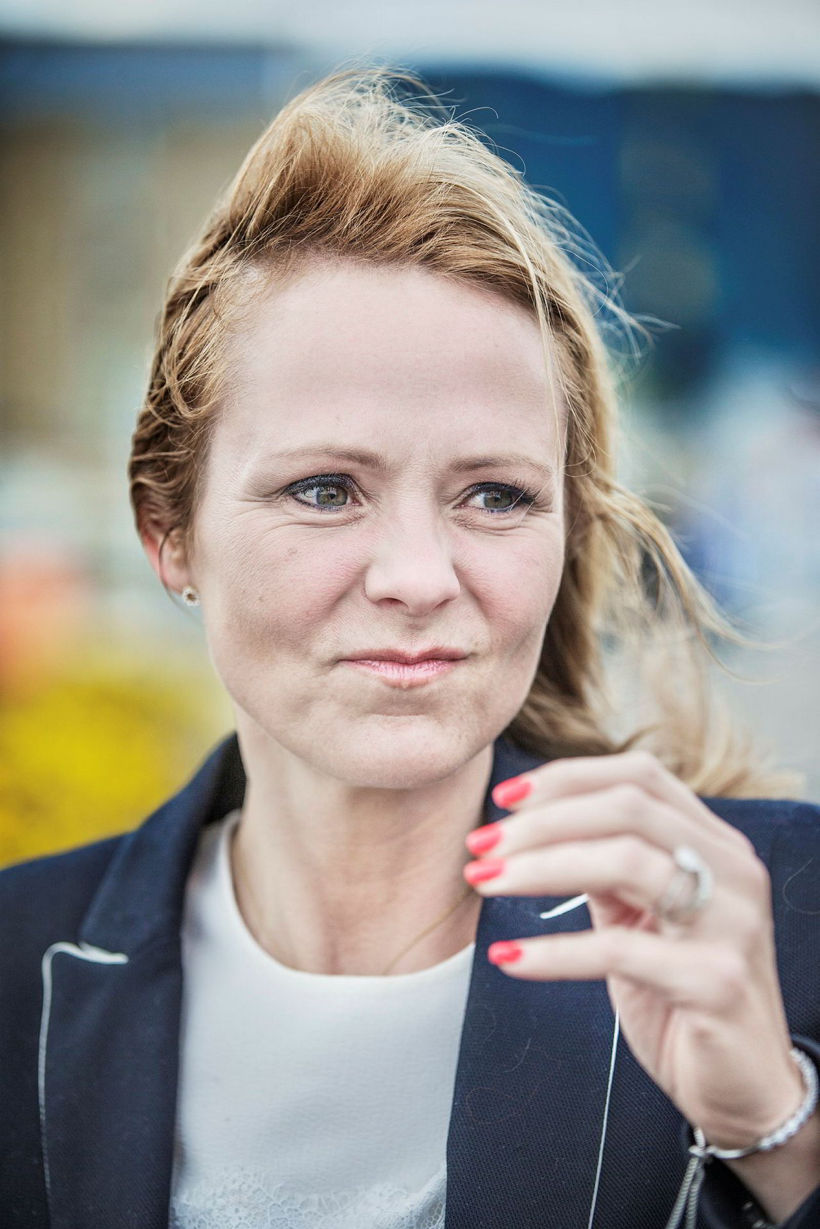 Kulturminister Linda Hofstad Helleland er den seneste i en lang rekke politikere som har varslet fornyet kamp mot utenlandsk spillreklame.