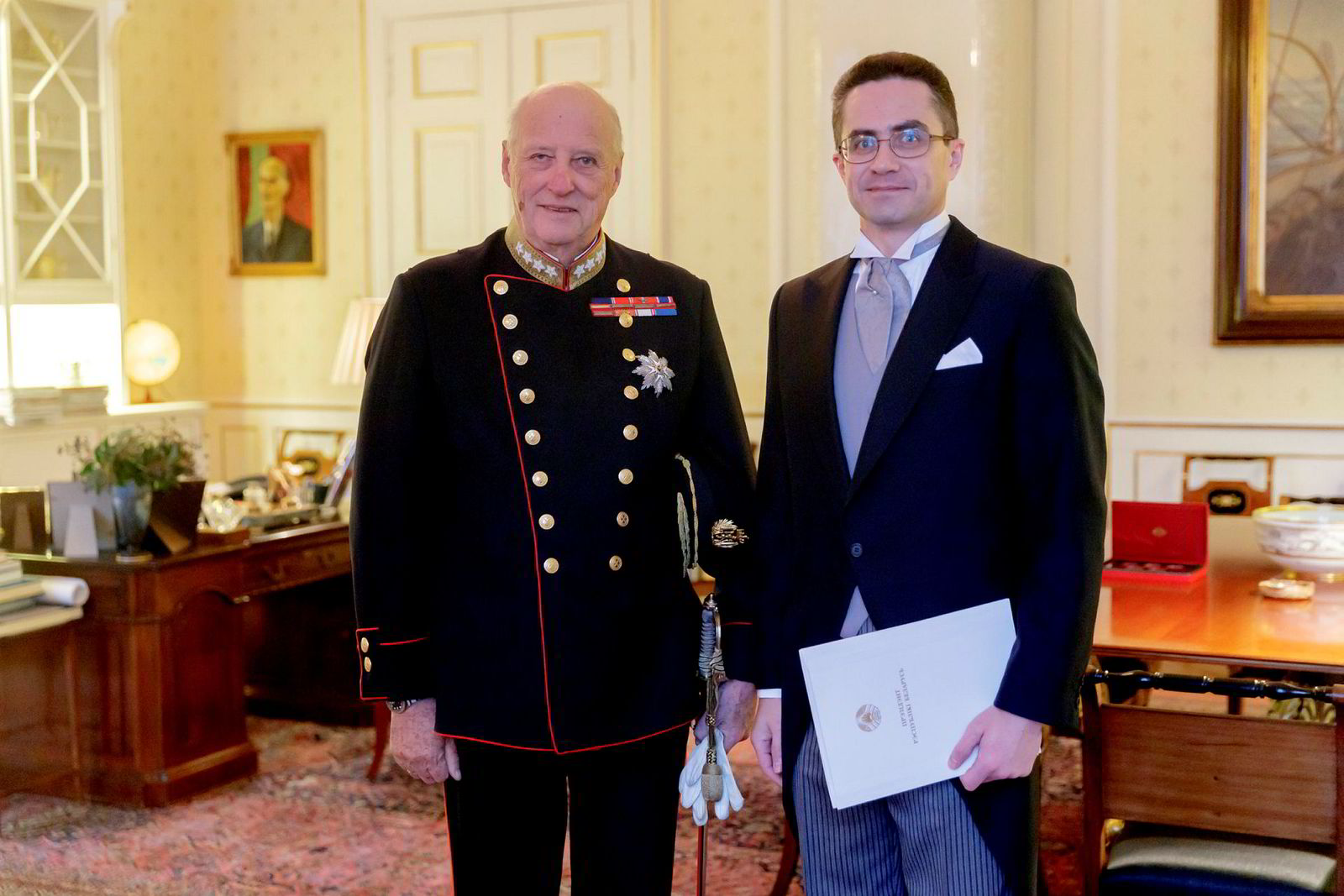 Dmitry Mironchik har vært ambassadør for Hviterussland i Sverige og Norge siden i fjor høst. Her er han i høytidelig audiens hos kong Harald.