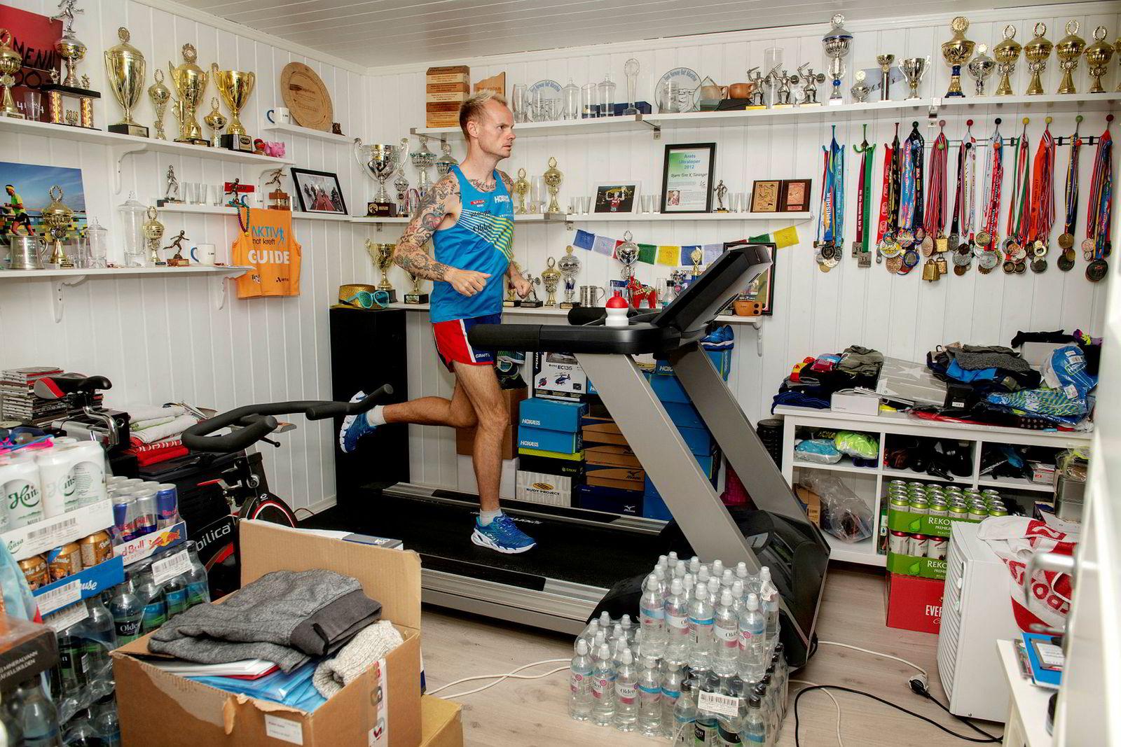 Lørdag 8. september skal Bjørn Tore Kronen Taranger delta i VM i 24-timersløp i Kroatia. Det kommer til så svi. – Jeg er i verdenstoppen slik Ingebrigtsen-brødrene er det, bare i en annen idrett, sier bergenseren.
