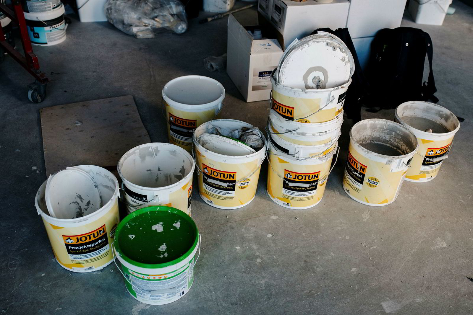 Det er kun Jotuns egne maleprodukter å se i selskapets bygg som er under oppføring.