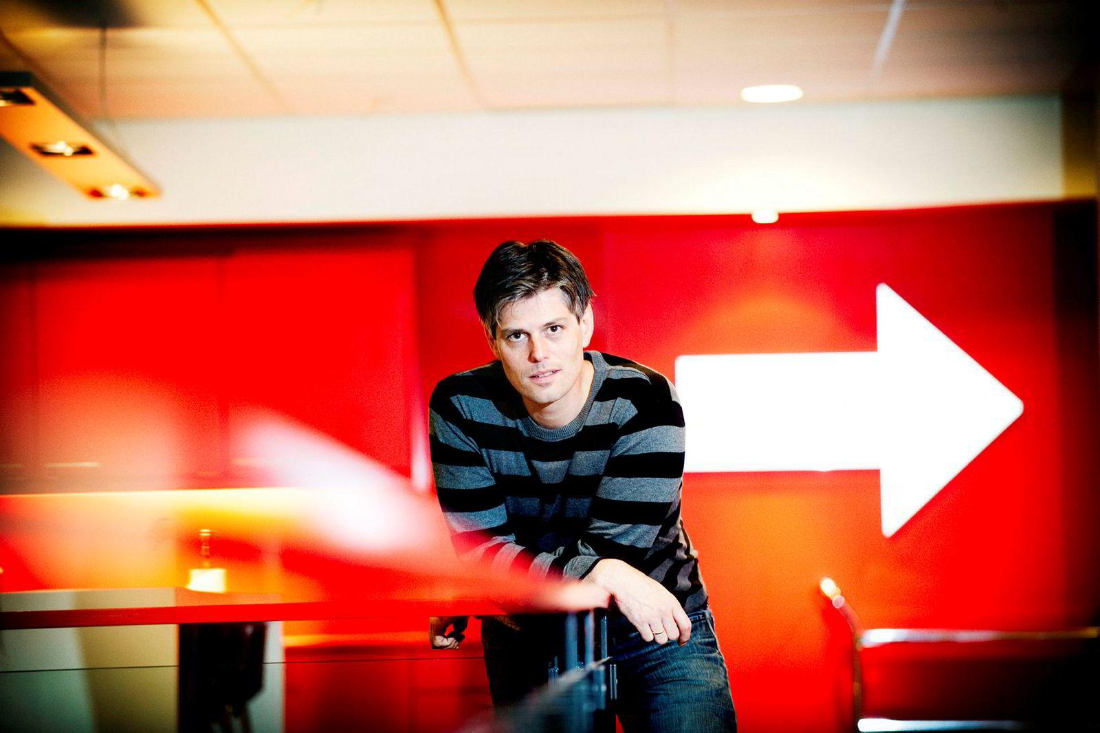 Lærer Håvard Tjora er kjent gjennom tv-serien«Blanke ark». Han tror roboter vil kunne være et godt supplement i undervisningen.