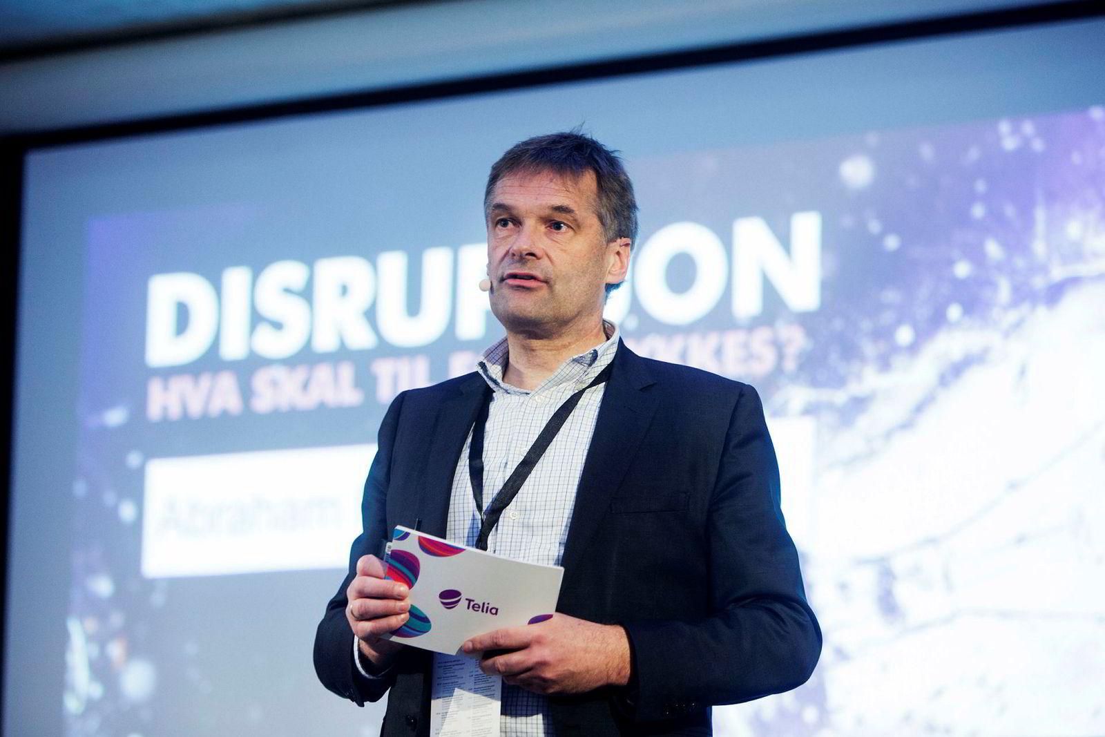 Administrerende direktør Abraham Foss i Telia Norge vil klage til ny nemnd dersom Konkurransetilsynet nekter Telia å kjøpe Phonero.