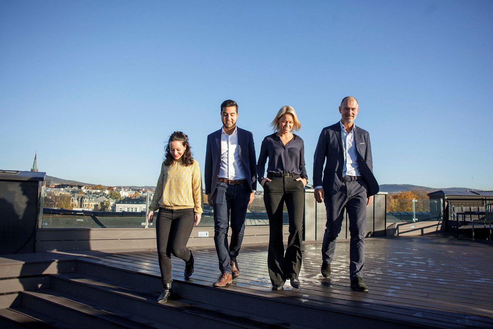Fra høyre, Andreas Wabø, CEO og partner i Agera, Tale Lefdal Helland, Shayan Seyedin og Kremena Tosheva.