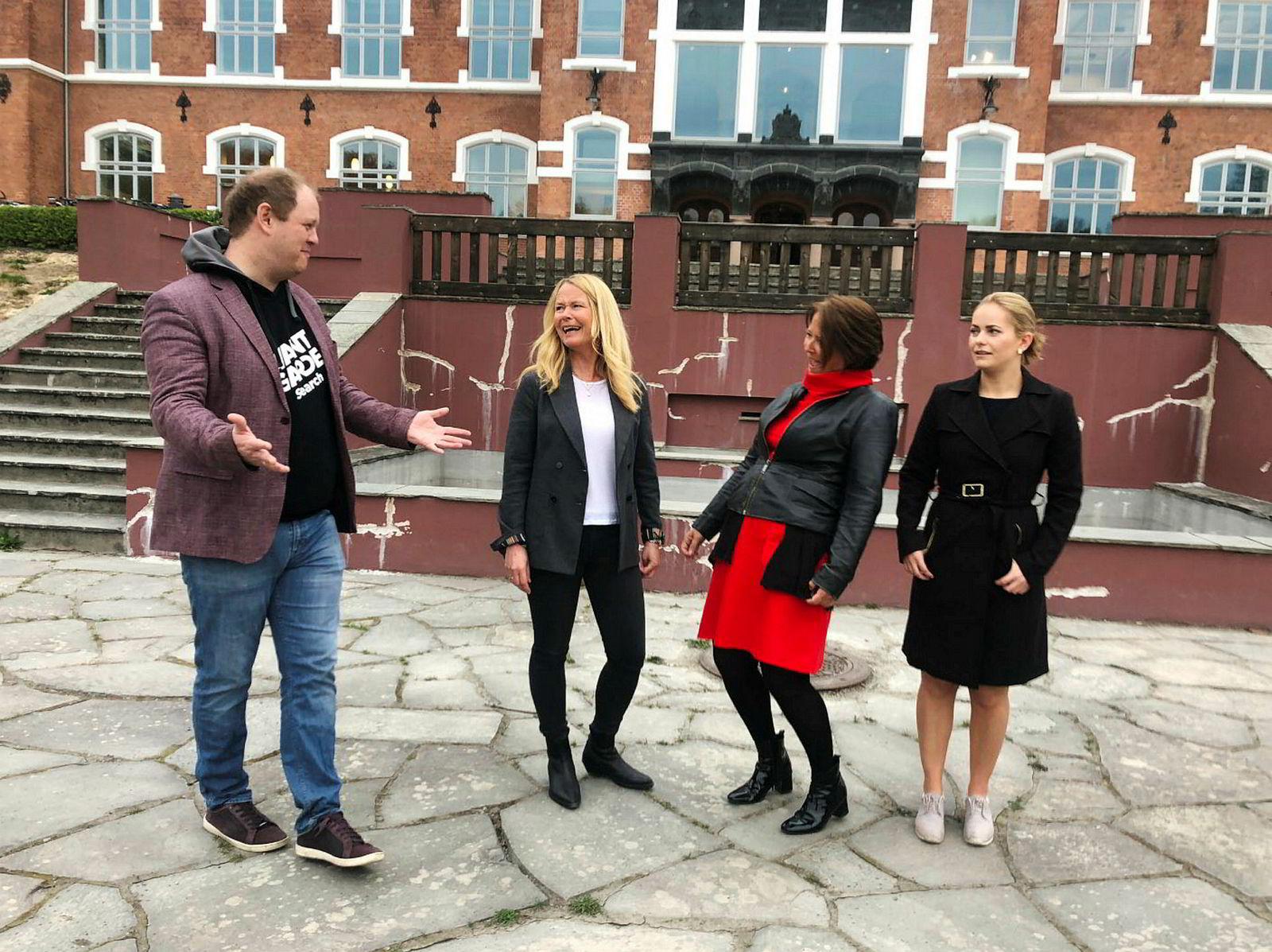 Erik Falk Hansen (f.v.), Eva Gjøvikli, Eva Grinde og Nora Rydne la ukens «Mandagsmøtet» til Ås.