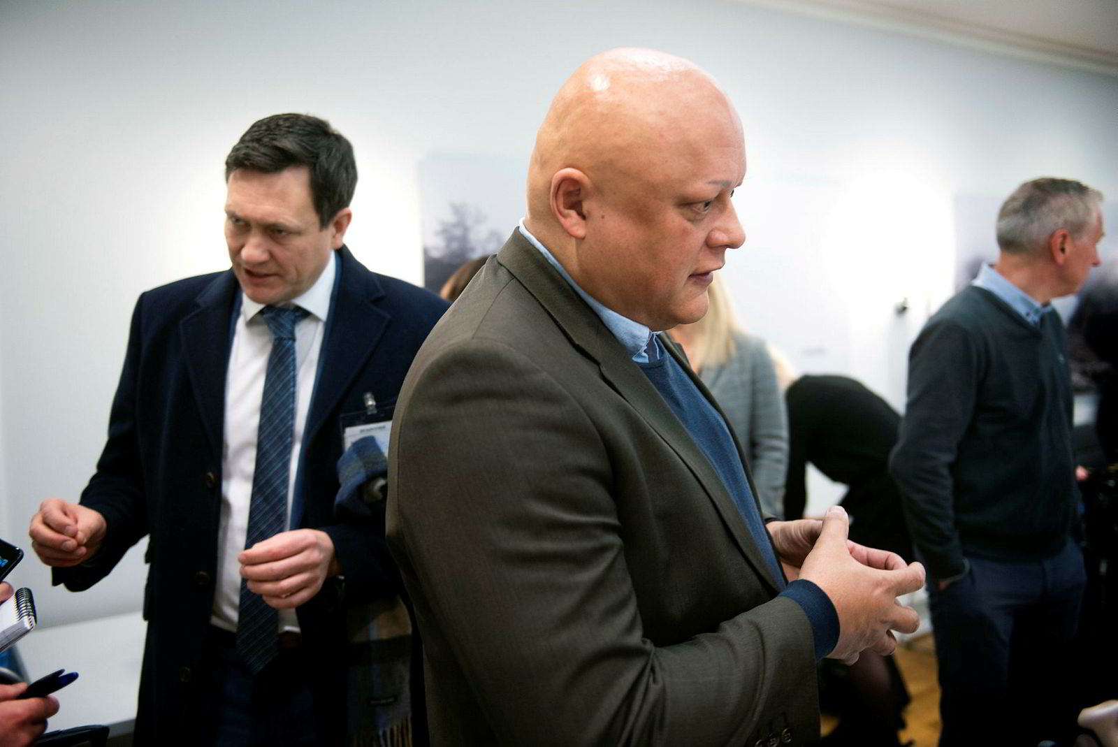 Fagdirektør for finans i Forbrukerrådet, Jorge Jensen, er kritisk til forskriften som ble innført i fjor – og mener den ikke holder mål. Til venstre: banksjef Bent Gjendem i Monobank.