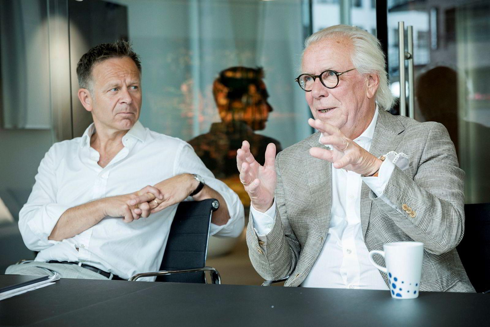 Digitaliseringen av markedet er én av grunnene til at daglig leder i Holta Invest, Dag Teigland (t.v.) ønsker å investere i flere klesmerker for så å slå de sammen under ett selskap. Til høyre: Jan Alsén, grunnlegger av Morris Stockholm.