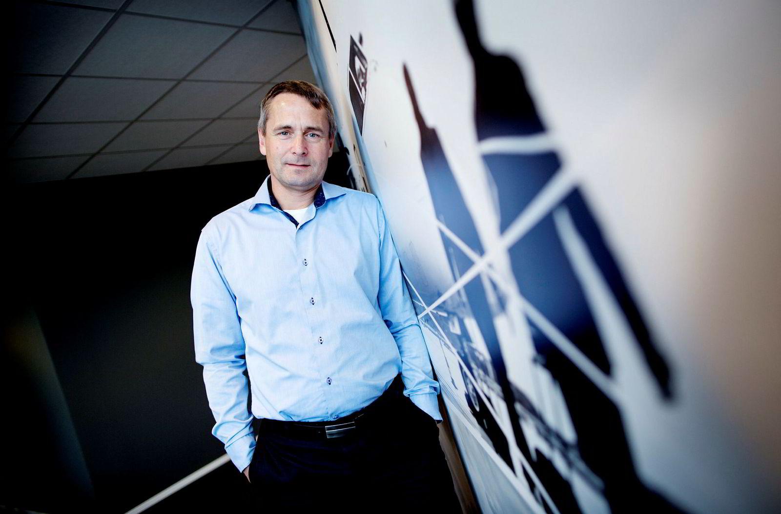 Widerøe-sjef Stein Nilsen vil finne nye ruter innenriks.