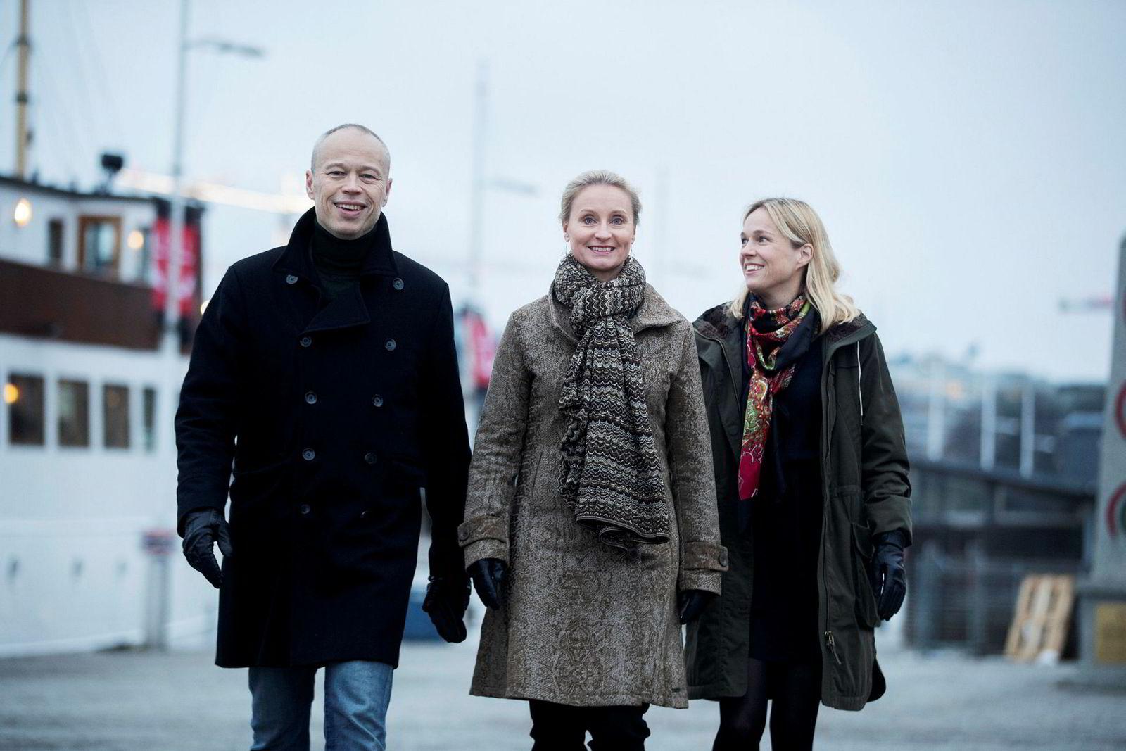 Anders Sjöqvist (til venstre), Karin Linge Nordh og Sara Lindegren forlater Bokförlaget Forum for å bygge opp Petter Stordalens forlagssatsing i Sverige.