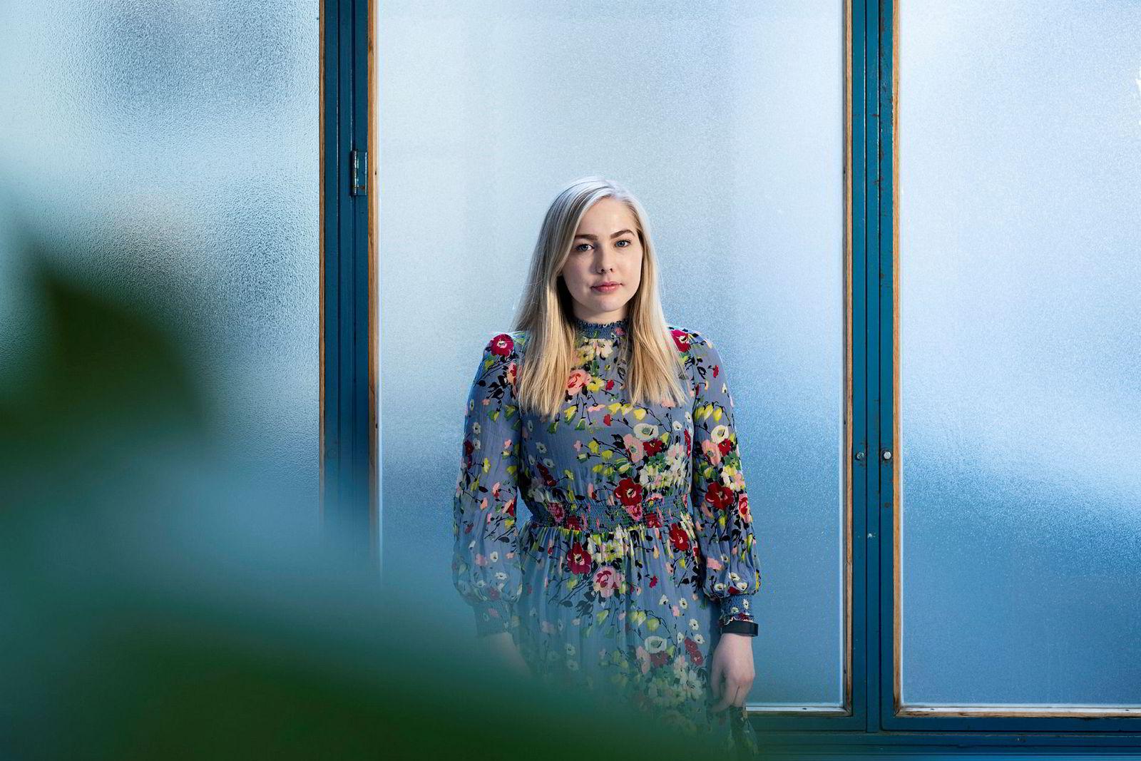 Mari Holm Lønseth i Høyre er mot partikollega Heggelunds forslag om å forby bensin- og dieselbiler.
