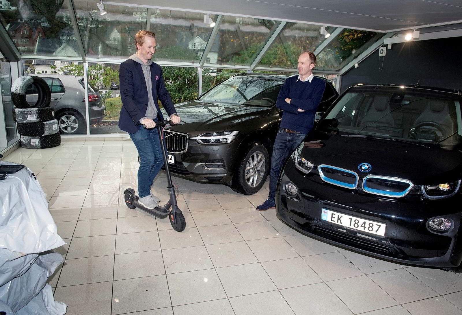Gründerne Hans Kristian Aas og Gunnar Birkenfeldt i iMove har omkring 80 biler og 300 sparkesykler leid ut i Bergen, Oslo og Stavanger.