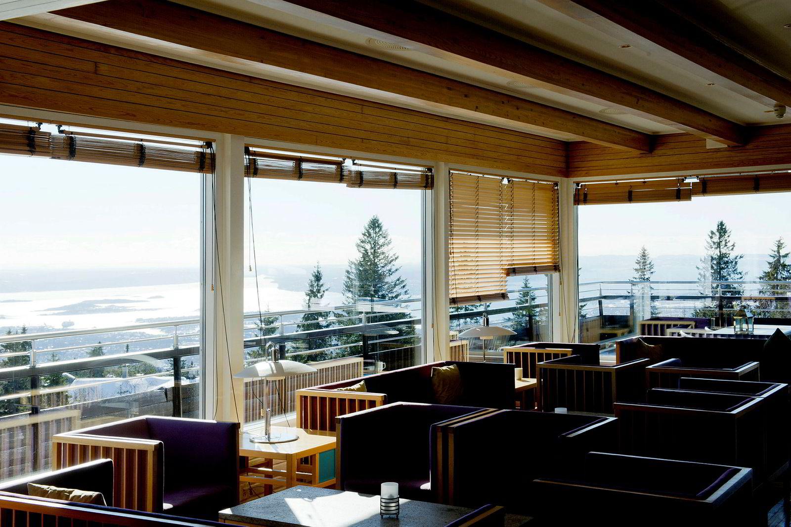 Voksenåsen Kultur og Konferansehotell ligger 500 meter over havet en kort t-banetur fra Oslo sentrum.
