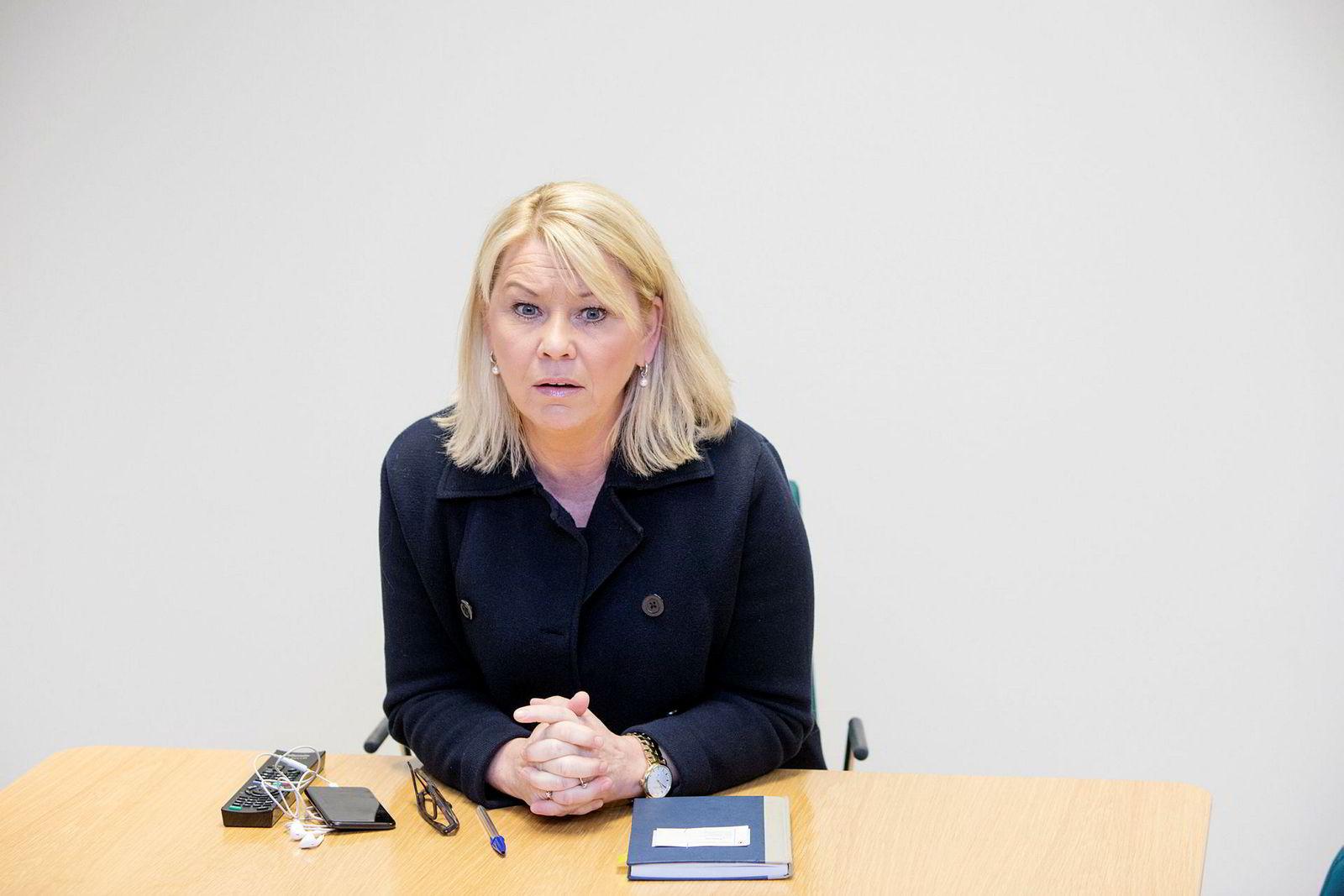 Næringsminister Monica Mæland har hatt møte med Rema 1000.