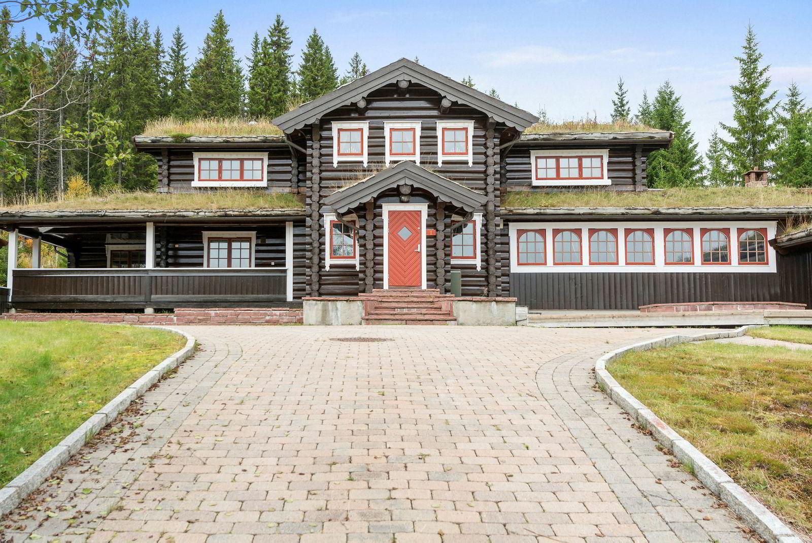 Den 3,5 mål store eiendommen i Trysil ble etter flere priskutt nylig solgt for 18,5 millioner kroner.