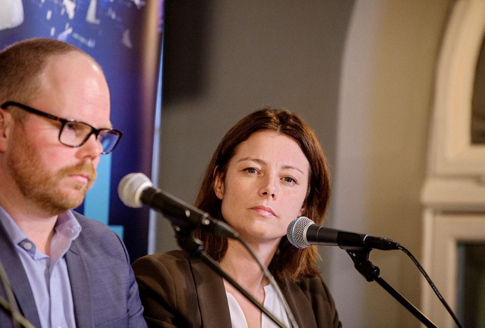 Organisasjons- og kommunikasjonsdirektør i TV2, Sarah Willand. Her i debatt med sjefredaktør i VG, Gard Steiro, ved en tidligere anledning i høst.