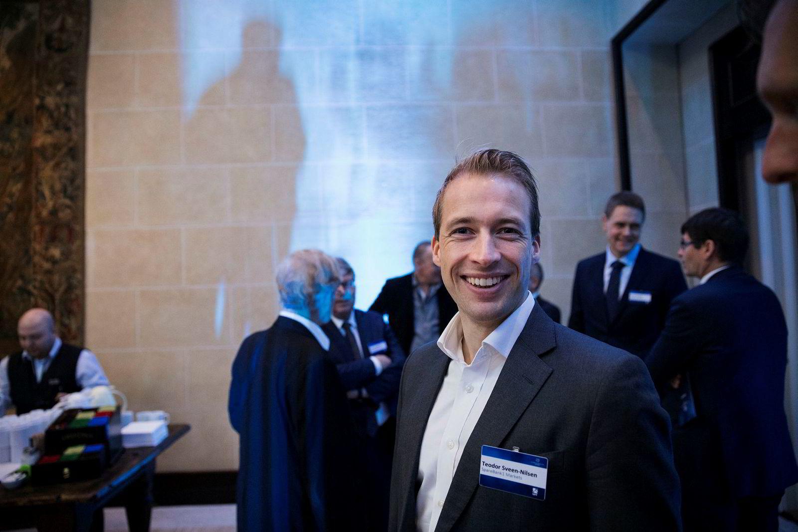– I 2018 var fornybar energi sjelden eller aldri et tema. I 2019 finnes det knapt et investormøte som ikke penser innom det, sier Teodor Sveen-Nilsen Sparebank 1 Markets.
