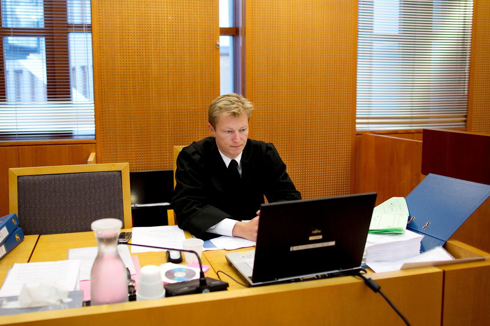 Politiadvokat Ole Rasmus Knudsen er frustrert over lovendringen, og mener det har store følger.