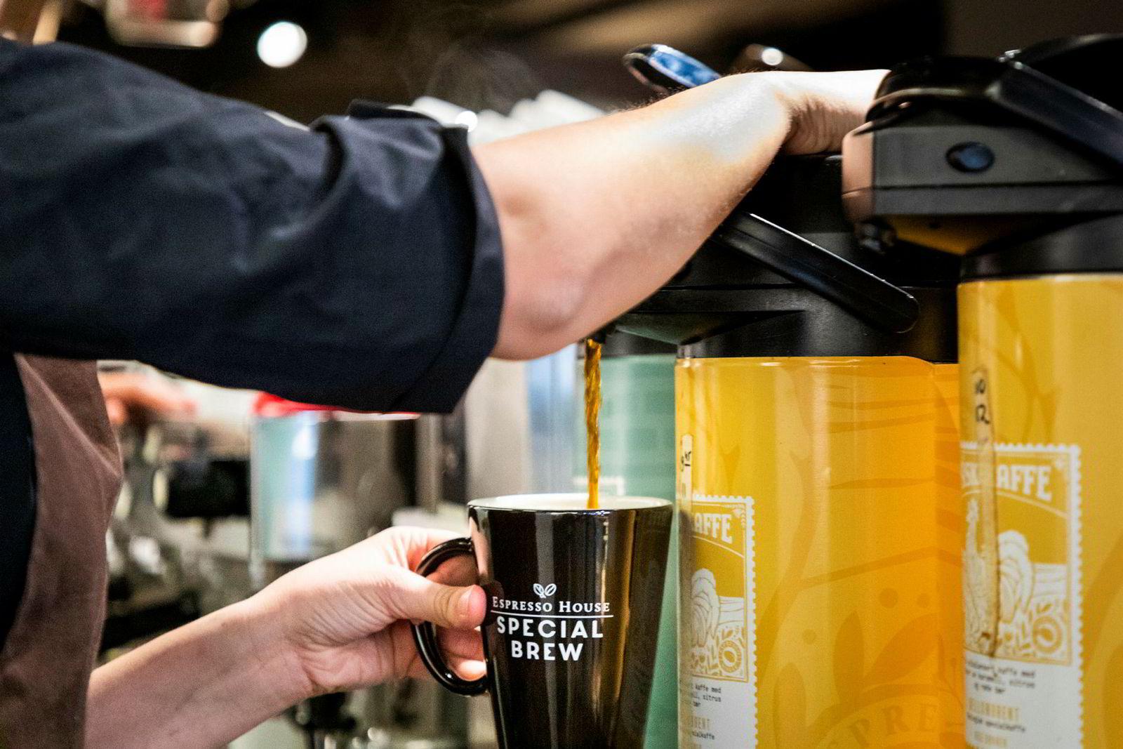 Til tross for et bredt og fancy kaffeutvalg er Espresso House-sjef Torodd Gøystdal mest glad i svart kaffe, helst en fruktig type fra Etiopia.