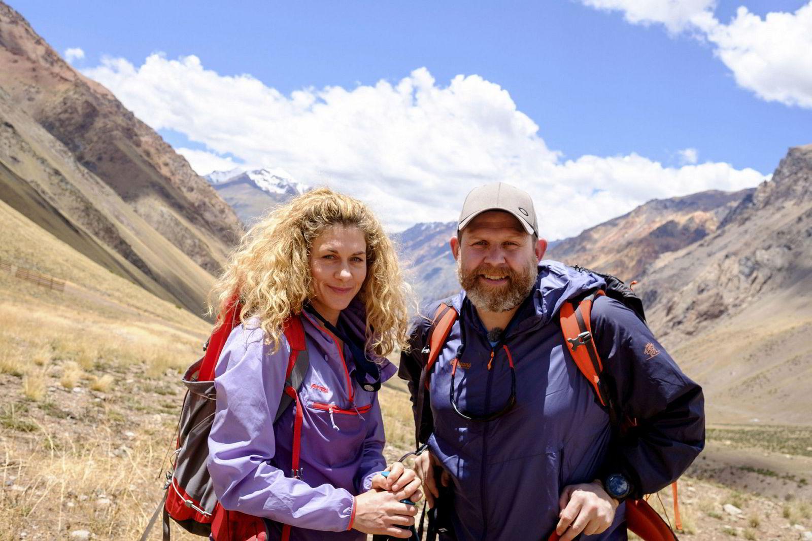 I tillegg til å arrangere turer, har Skog også vært på to ekspedisjoner sammen med tv-profilen Truls Svendsen. Begge er blitt til tv-programmet «Tjukken og Lillemor» på TV 2. I januar gikk ferden til Andesfjellene og topptur opp fjellet Aconcagua.